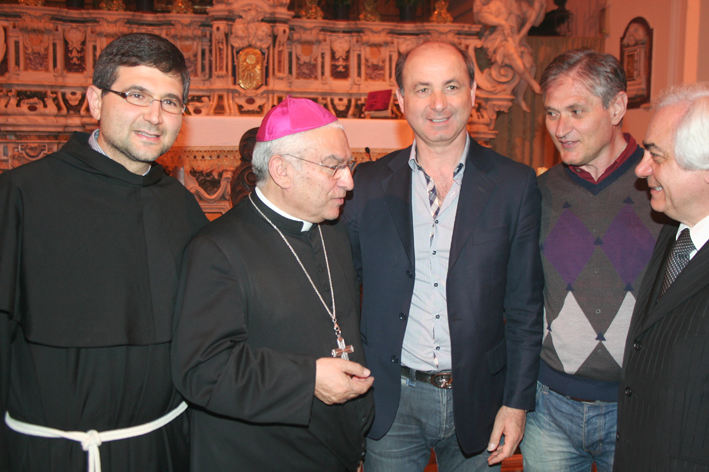 copia-di-vescovo-a-san-francesco-maddaloni-ce-071.jpg