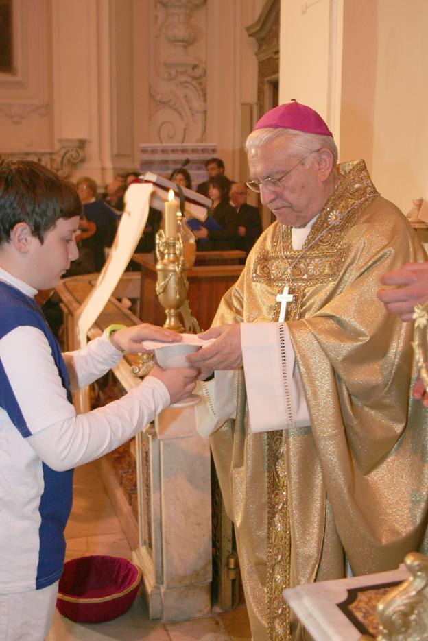 vescovo-a-san-francesco-maddaloni-ce-030.jpg