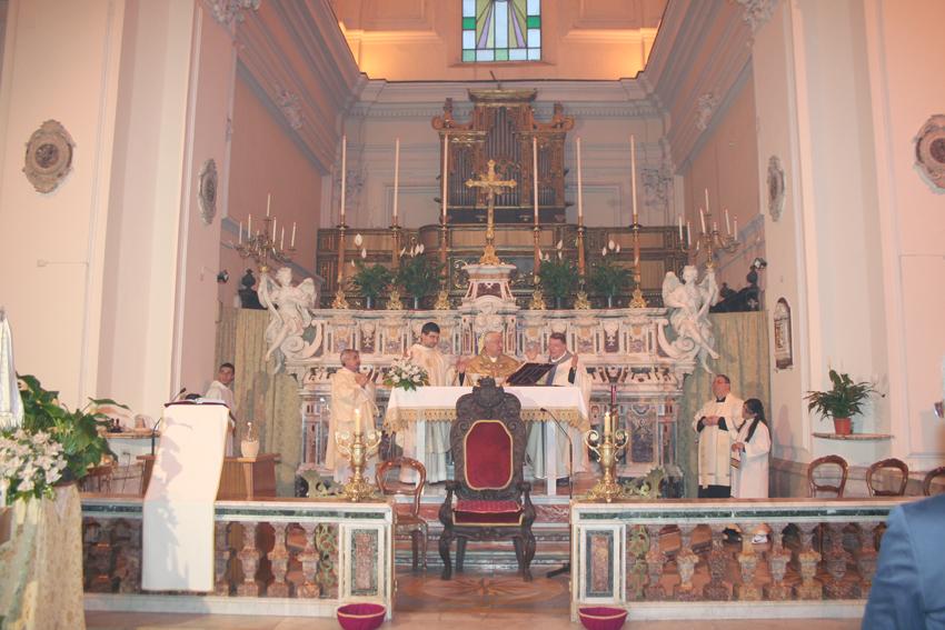 vescovo-a-san-francesco-maddaloni-ce-036_0.jpg